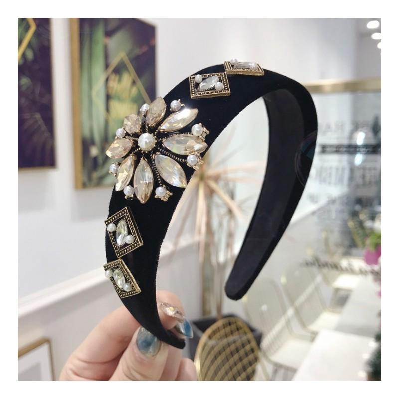 Opaska turban z materiału z kryształkami ZŁOTA O212Z