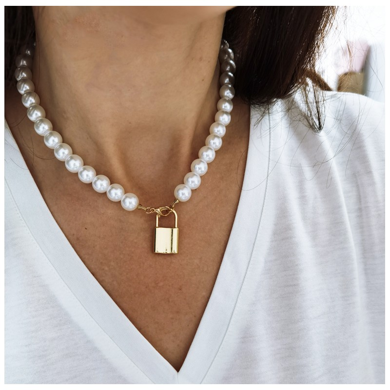 NASZYJNIK SZTUCZNE perły z kłódką N710