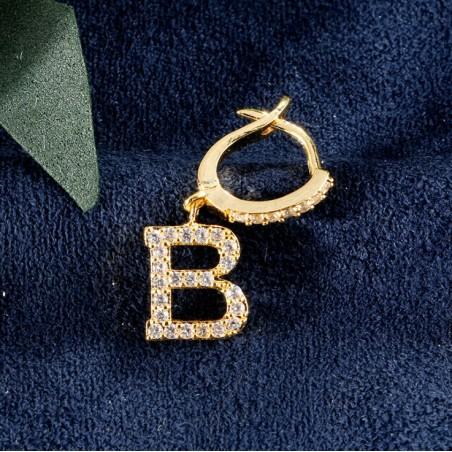 Kolczyki pozłacane literka B KST1683B