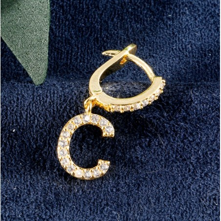 Kolczyki pozłacane literka C KST1683C