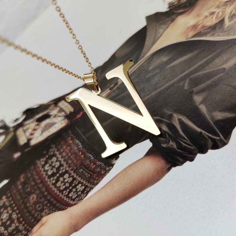 Naszyjnik stal chirurgiczna literka platerowana złotem NST100N