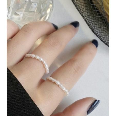 Pierścionek perły na gumce stal chirurgiczna platerowana złotem PST574
