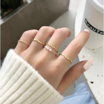 Zestaw 5 pierścionków złote...