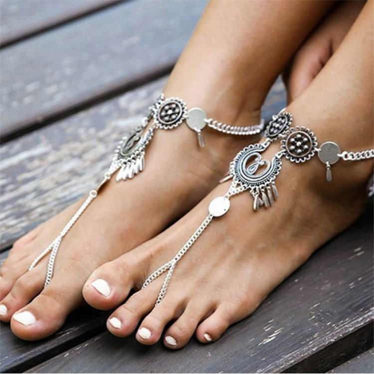 Bransoletka boho srebrna na stopę B184