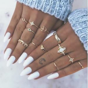 Zestaw 13 pierścionków...