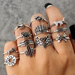 Zestaw 12 pierścionków...