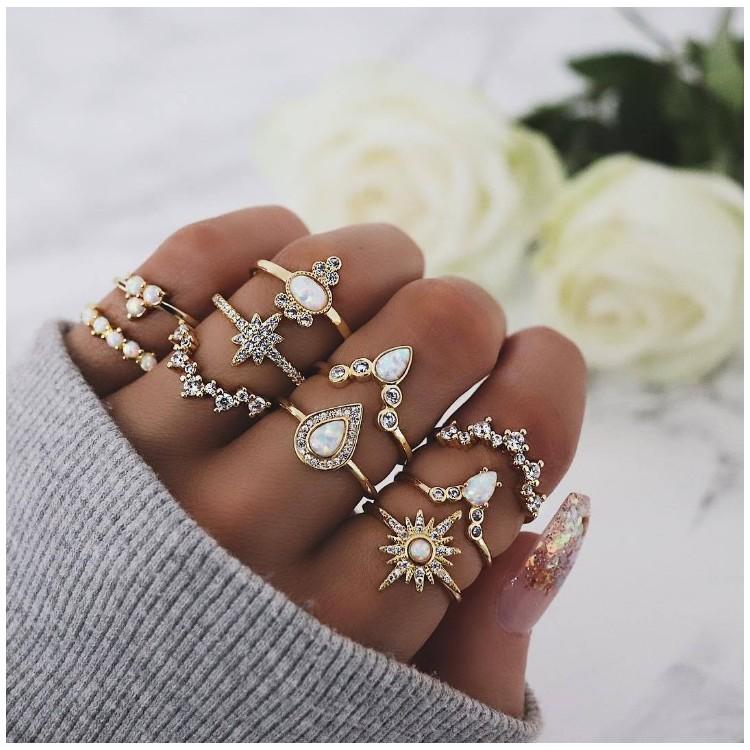 Zestaw 10 pierścionków złote crystal PE52